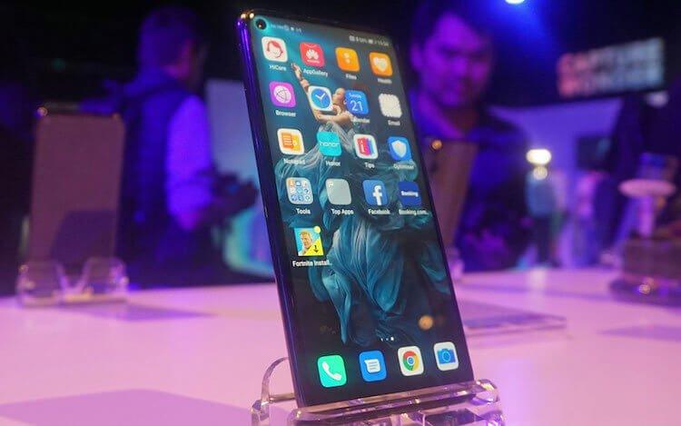 Huawei привезла флагманский Honor 20 в Россию по специальной цене