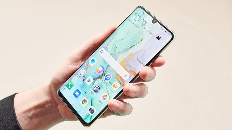 Назван первый смартфон Huawei, который получит Ark OS
