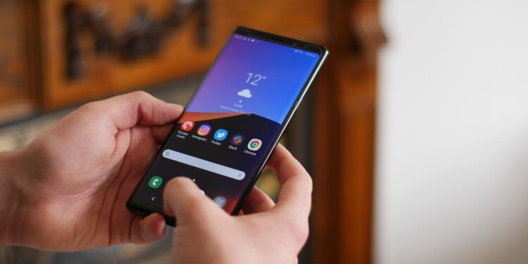 Почему Galaxy Note 9 лучше Galaxy S10+