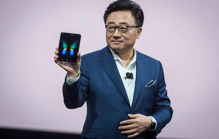 Samsung признала, что представила Galaxy Fold недоработанным